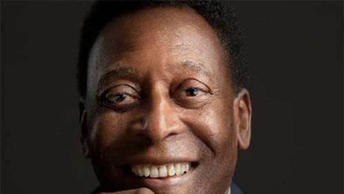 Com problema na laringe, Pelé é internado em unidade semi-intensiva