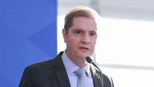 Ministro da AGU é diagnosticado com a covid-19