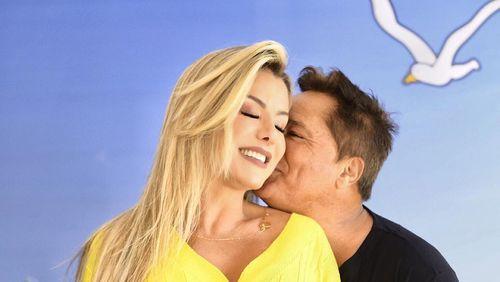 Poliana Rocha, esposa de Leonardo, relembra traições