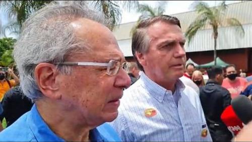 Presidente Bolsonaro afirma que governo não interferirá em preços de combustíveis