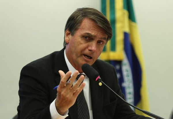 Bolsonaro diz que usou auxílio-moradia para 'comer gente'