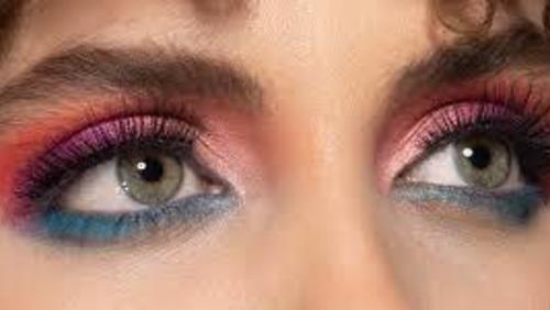 #SempreLindaMelody: Olho esfumado colorido