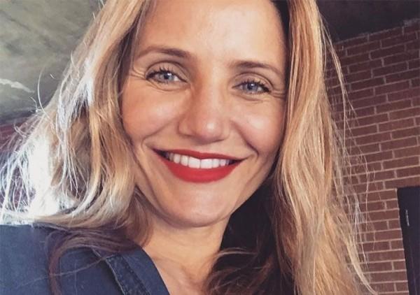 Jornal diz que Cameron Diaz se aposentou para ficar com o marido