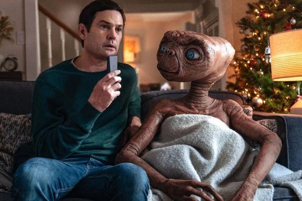 #ClubedaPipoca: Comercial de tv reúne E.T e Elliot novamente e emociona fãs!