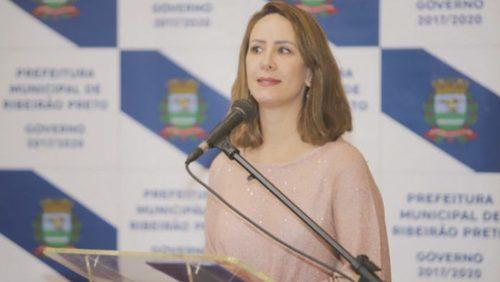 Samanta Pineda deixa o Fundo Social