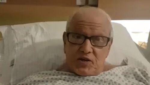 'O dia que eu morrer, aviso', brinca Ary Toledo em cama de hospital