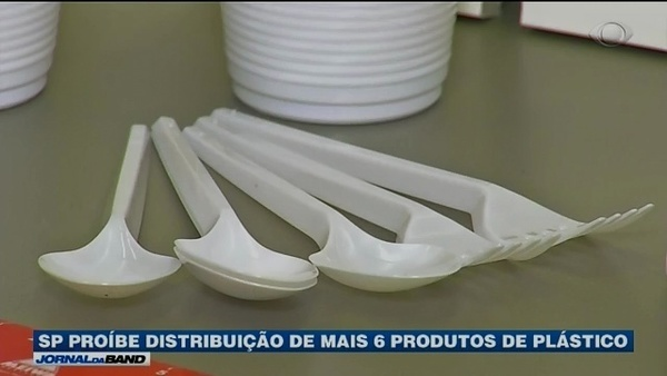 Cidade de São Paulo proíbe utensílios de plástico descartáveis em comércios