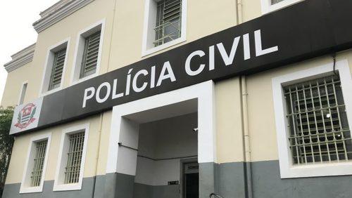 Dupla rouba R$ 1,2 mil de homem em ponto de ônibus