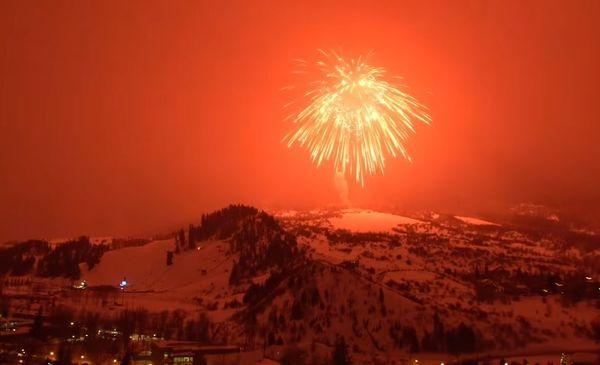 Fogo de artifício bate recorde como o maior do mundo; assista