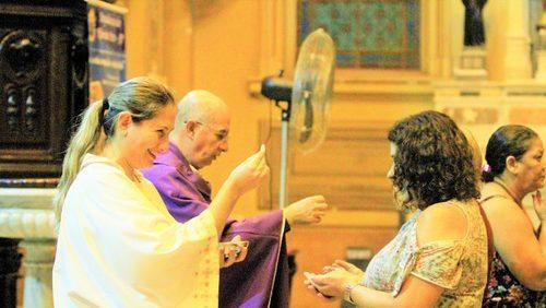 Covid-19 leva a Igreja Católica a mudar rotina