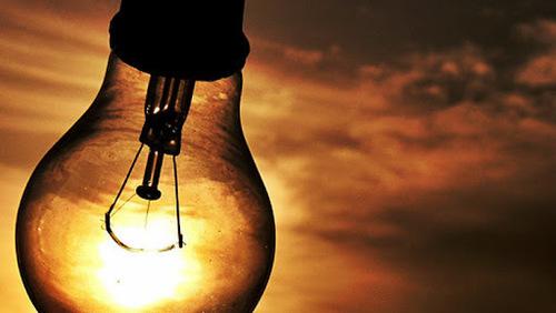 Aneel suspende cortes no fornecimento de energia elétrica por três meses