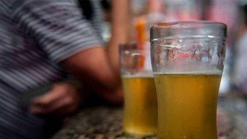 Isolamento social pode ser gatilho para consumo de álcool