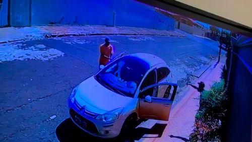 Ladrões roubam carro em Morro Agudo com 200 máscaras