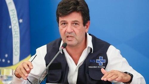 Ministro Mandetta continua no cargo