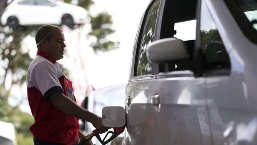 Governo vai regulamentar venda direta de etanol para postos até outubro, diz ministro